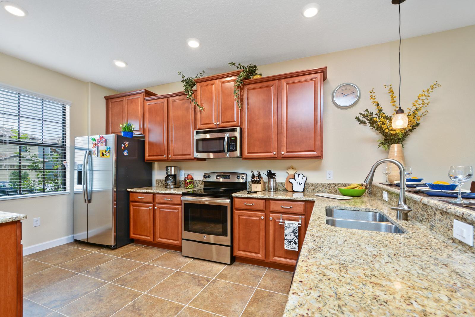 6_kitchen.jpg