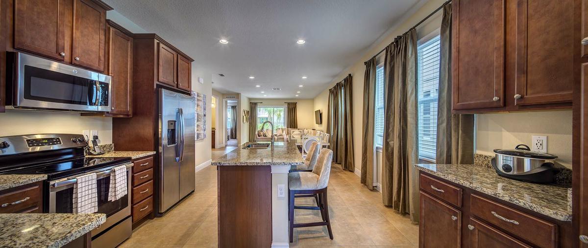 7615_Brookhurst_kitchen_2.jpg